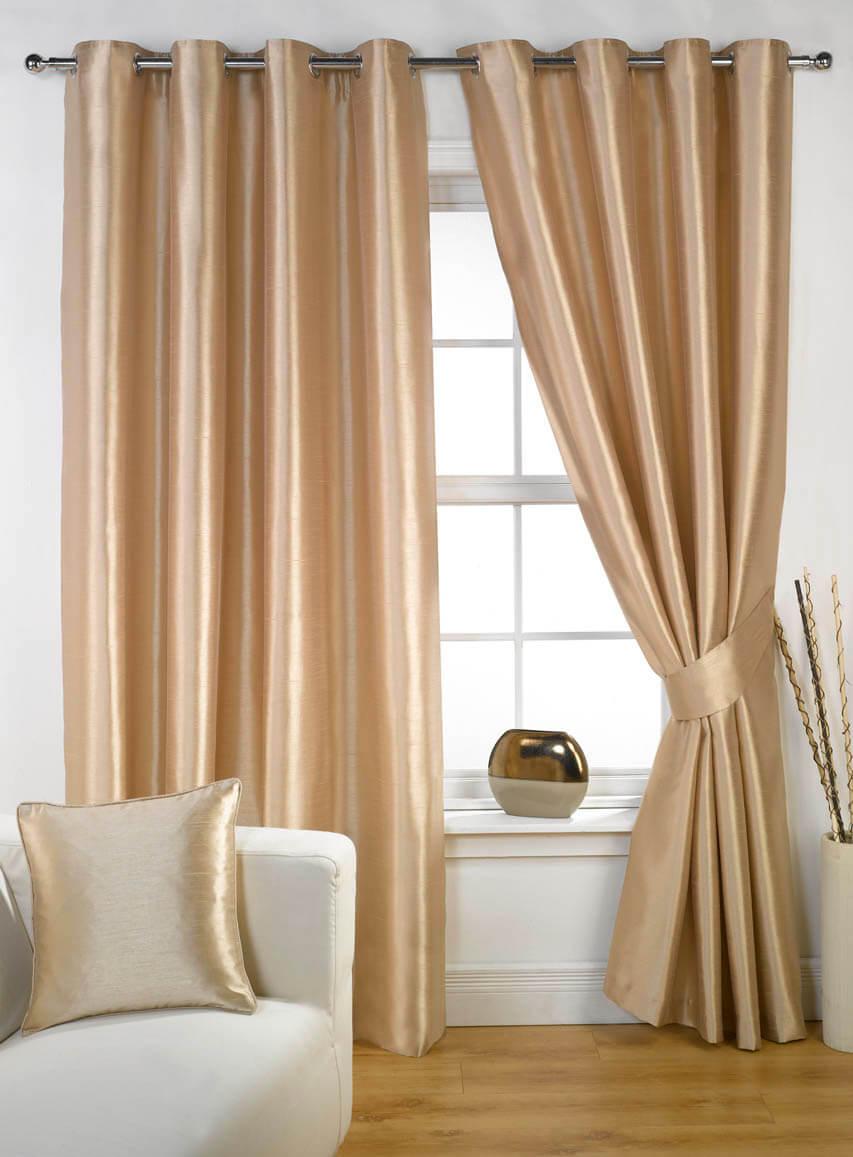 Færdigsyede gardiner med rynkebånd